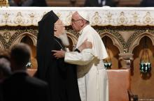 Pope Francis, retired Pope Benedict praise Patriarch Bartholomew